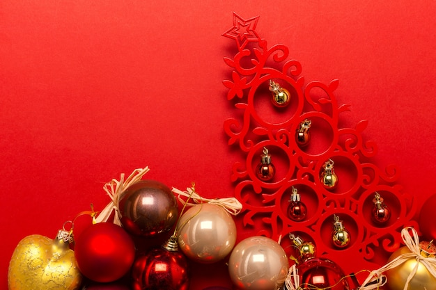 Kerstmis of nieuwjaarsamenstelling met vakantiedecoratie