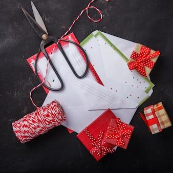Kerstmisachtergrond, lege wenslijst voor santa claus