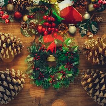 Kerstmisachtergrond met abstracte bokeh-lichten.