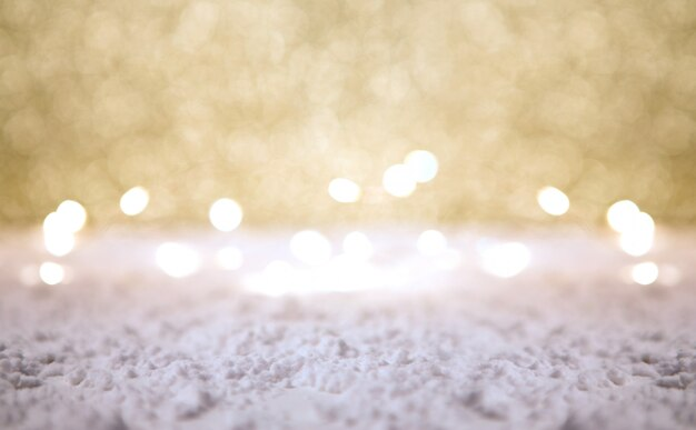 Kerstmisachtergrond met kerstmisballen, giften en decoratie
