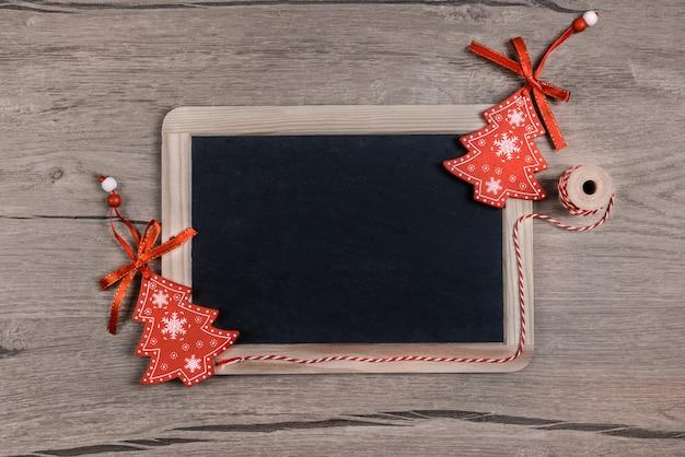 Kerstmisachtergrond, ruimte voor uw bericht in krijt