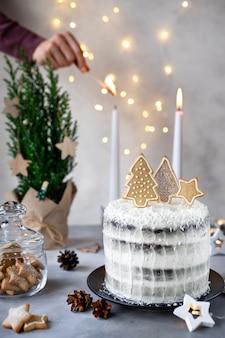 Kerstmiscake met peperkoekkoekjes