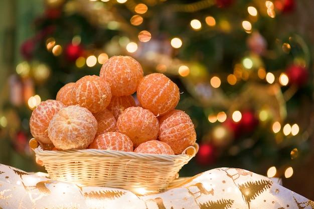 Kerstmisfoto met ontruimde mandarijnen