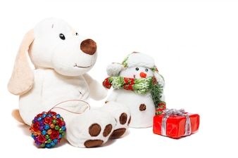 Kerstmishond en sneeuwman