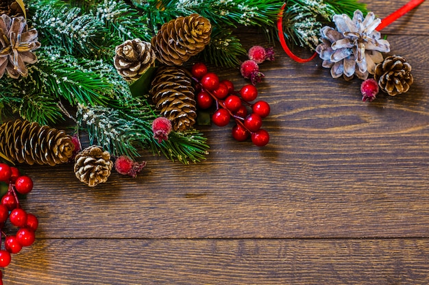 Kerstmiskader met feestelijke boom