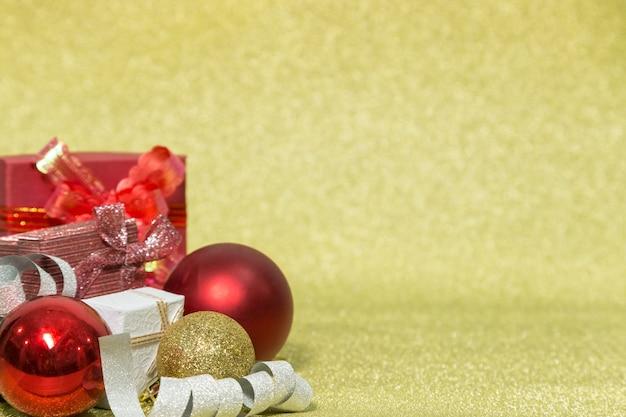 Kerstmiskader met gloden achtergrond. kerstmis fastival concept.