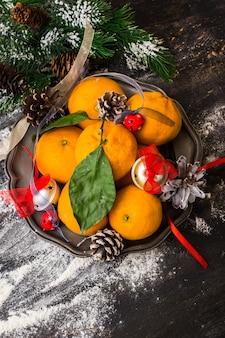 Kerstmiskader met mandarijnen
