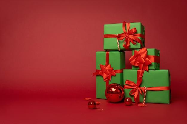 Kerstmissamenstelling van geschenkdozen