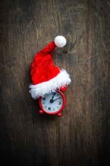 Kerstmuts en wekker