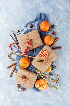 Kerstpakket, snoepgoed, mandarijnen