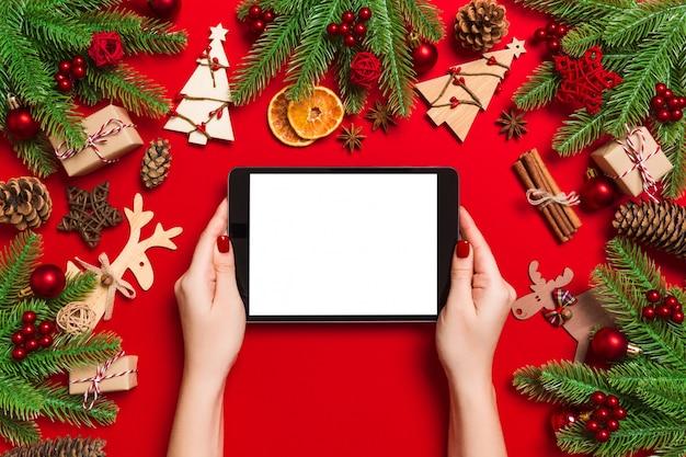 Kersttafereel met feestelijke decoraties