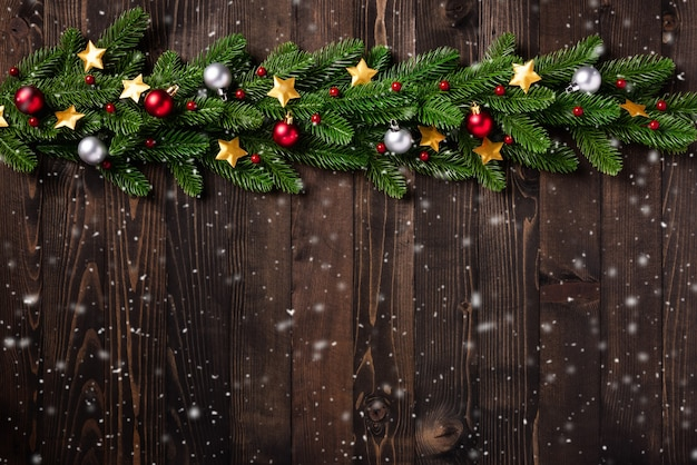 Kerstvakantie garland rand fir takken, en xmas sterren ornament bauble decor