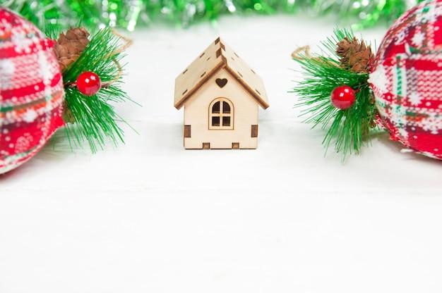 Kerstversiering geïsoleerd op wit
