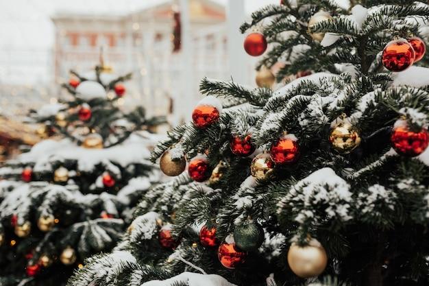 Kerstversiering in de straten van moskou