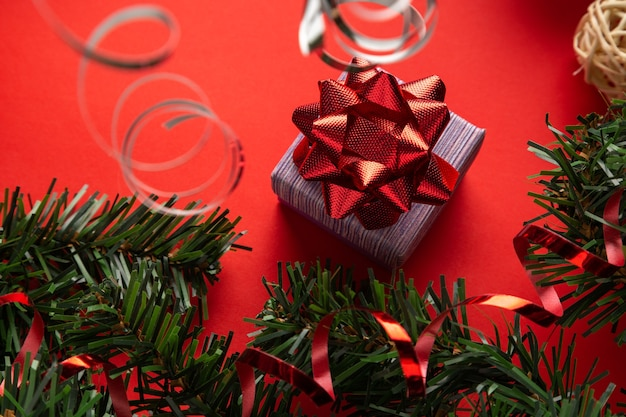 Kerstversiering met geschenkdoos welk cadeau je op vakantie wilt hebben tweede kerstdag thema
