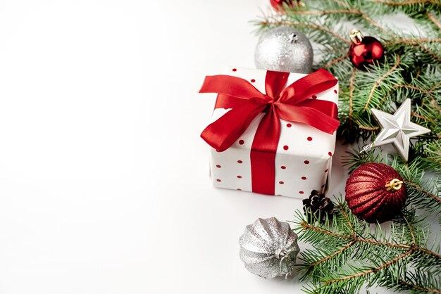 Kerstversieringen en geschenken