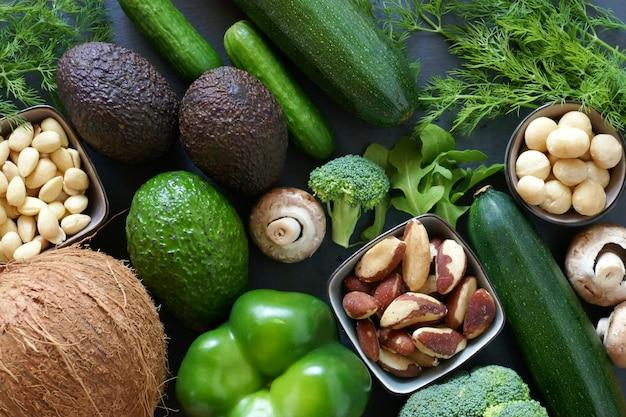 Ketogenic dieetgroenten en noten voor laag carburatordieet