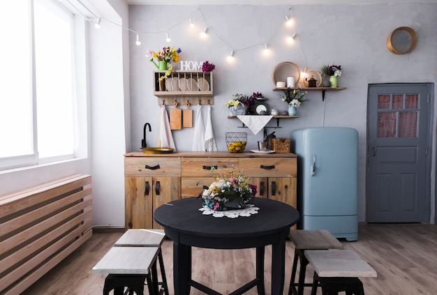 Keuken en eetkamer met vintage stijl