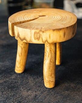 Keuken snijplank stand voor keukengerei natuurlijk hout kleine kruk huisbenodigdheden ruimte