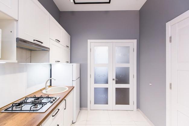 Keuken studio moderne stijl, in wit