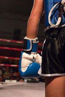 Kickboxer-atleet in de ring