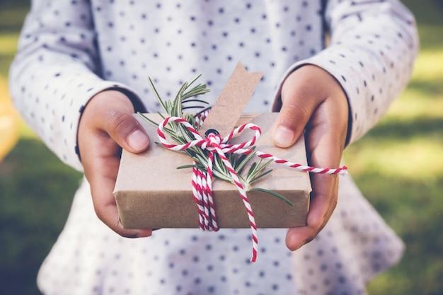 Kid bedrijf eco geschenkdoos