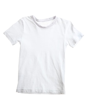 Kid wit t-shirt geïsoleerd op een witte ondergrond