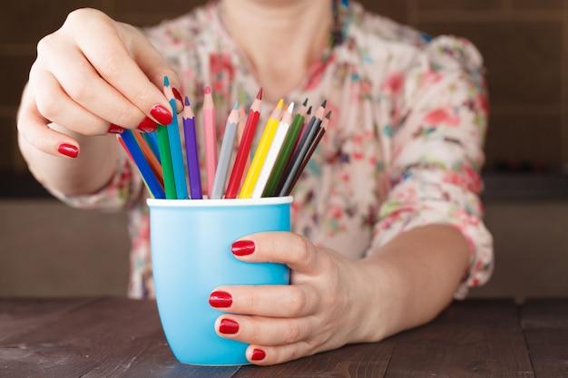 Kies een potlood uit veel verschillende andere