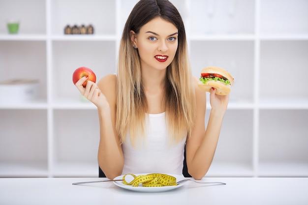Kies tussen junkfood versus een gezond dieet