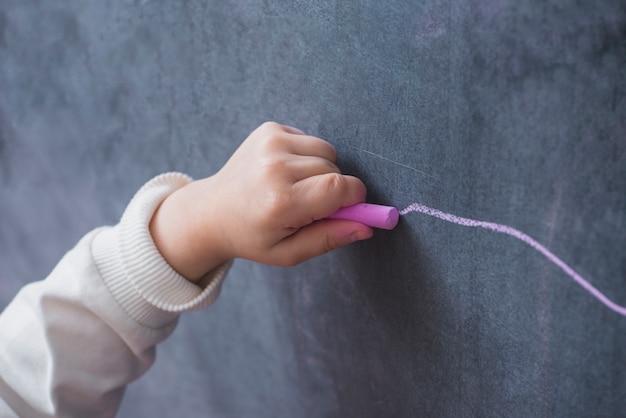 Kind hand lijn tekenen