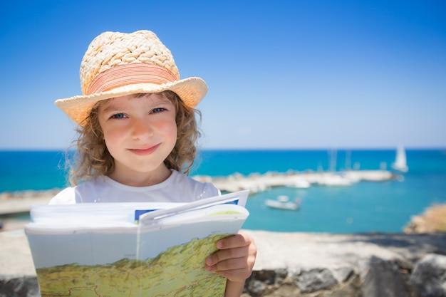 Kind op het strand zomervakanties concept