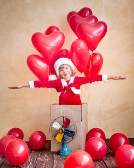 Kind spelen thuis. kerstcadeau. kerst vakantie concept