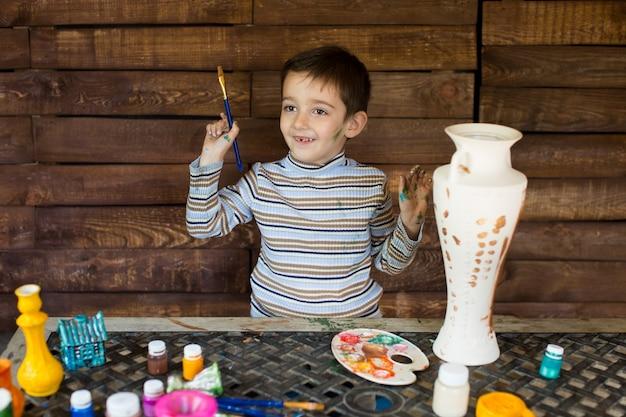 Kind verven met gekleurde inkten