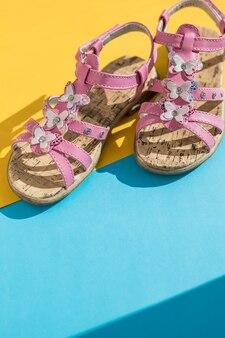 Kinder zomer sandalen. baby schoenen, meisjes roze mode schoenen, lederen sandaal, mocassins. lederen witte babymeisje zomer sandalen