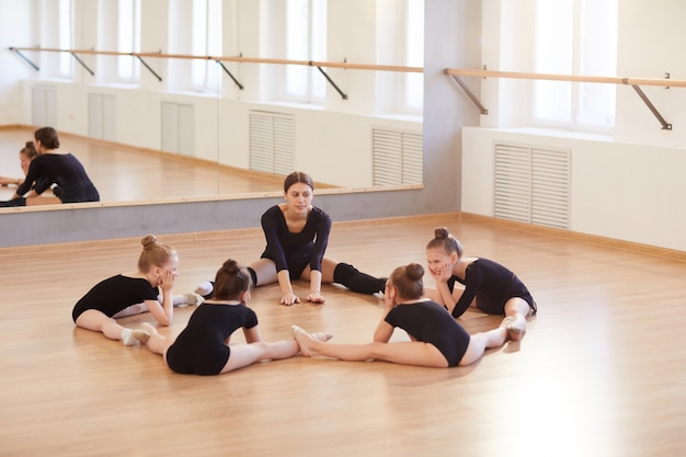 Kinderen in dansstudio
