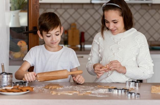 Kinderen in de keuken