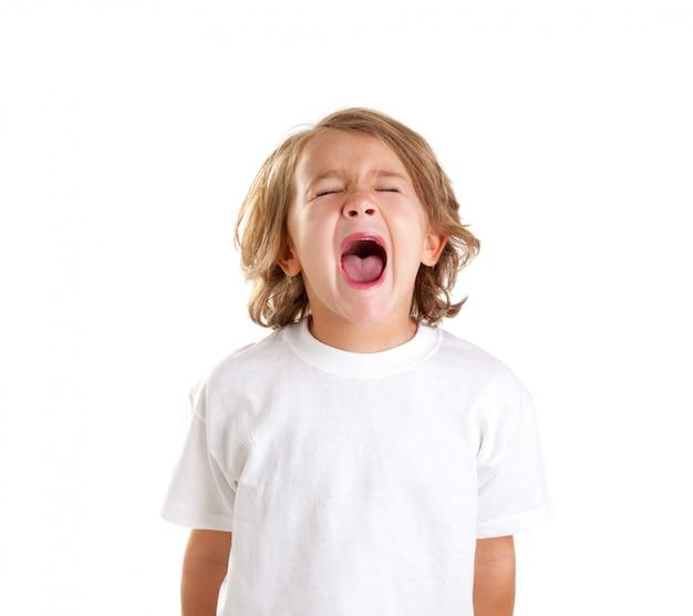 Kinderen jongen schreeuwt expressie op witte achtergrond