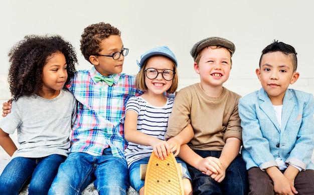 Kinderen kinderen vreugde gelukkig kind concept