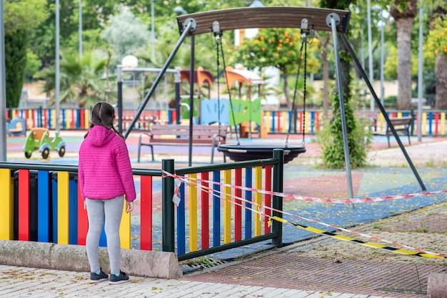 Kinderen kunnen nog steeds niet genieten van de parken om besmetting te voorkomen
