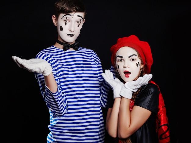 Kinderen mime groepsfoto, pantomime-emoties
