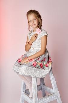 Kinderen mode jonge modellen kinderen poseren