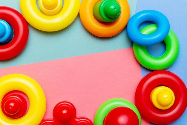 Kinderen onderwijs speelgoed samenstelling met kopie ruimte