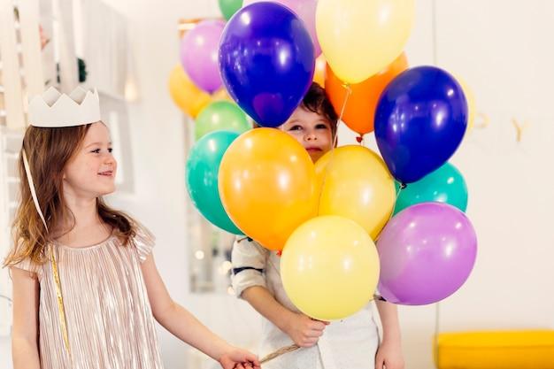 Kinderen plezier op verjaardagsfeestje