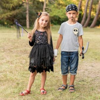 Kinderen verkleed voor halloween