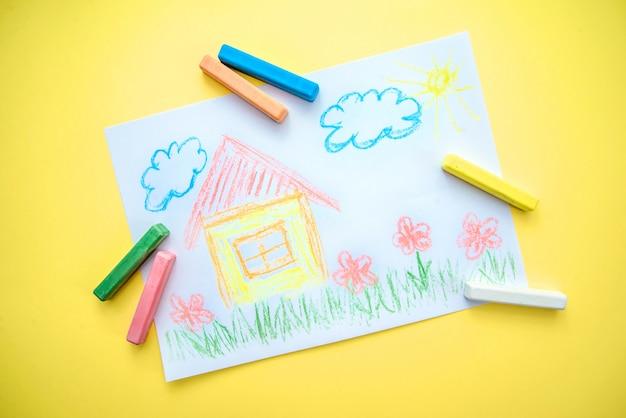 Kindertekening met een huis