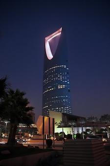 Kingdom centre, burj al-mamlaka in riyad, saoedi-arabië