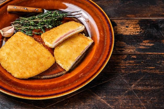 Kip cordon bleu vleesrolletje met ham en kaas