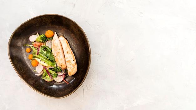 Kip gastronomische maaltijd kopie ruimte
