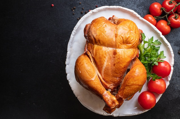 Kip gevogelte gerookt gebakken vlees hele snack