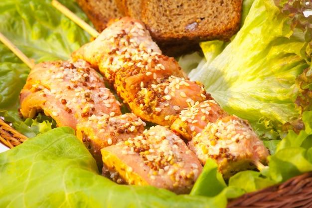 Kip kebab. gezonde voeding concept